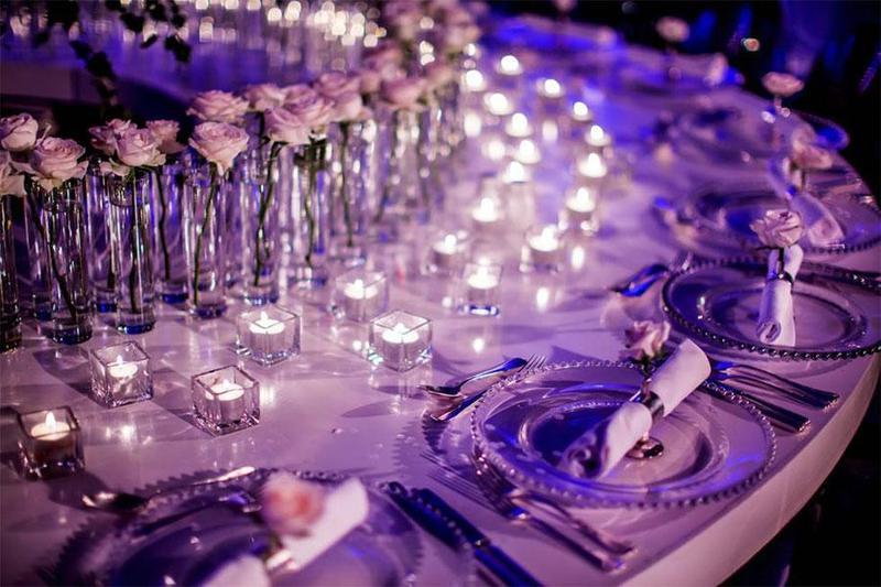 Thúc đẩy tình yêu say mê khi tổ chức tiệc cưới cao cấp với tông màu Violet