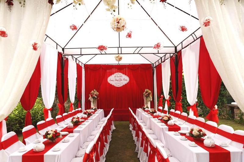 Những ưu điểm nổi bật khi sử dụng dịch vụ đặt tiệc cưới tại nhà