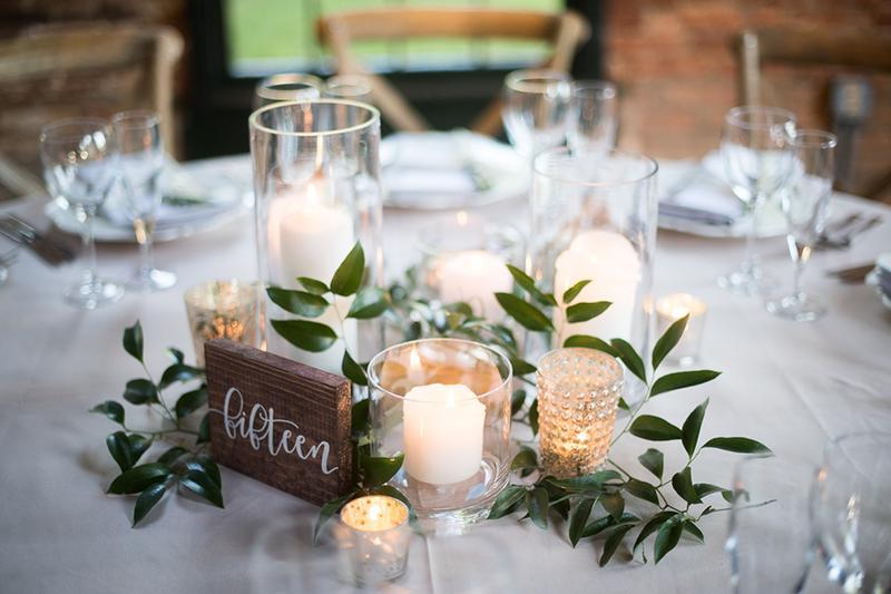 Điểm danh 5 phụ kiện trang trí không thể thiếu khi đặt tiệc cưới tại nhà quận 2 cùng Hai Thụy Catering